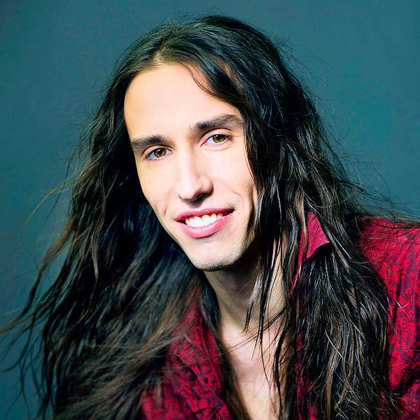Rock Vocalist Chandler Mogel